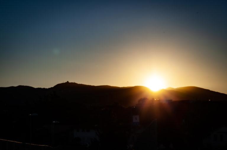 拂曉 Fúxiǎo – Dawn