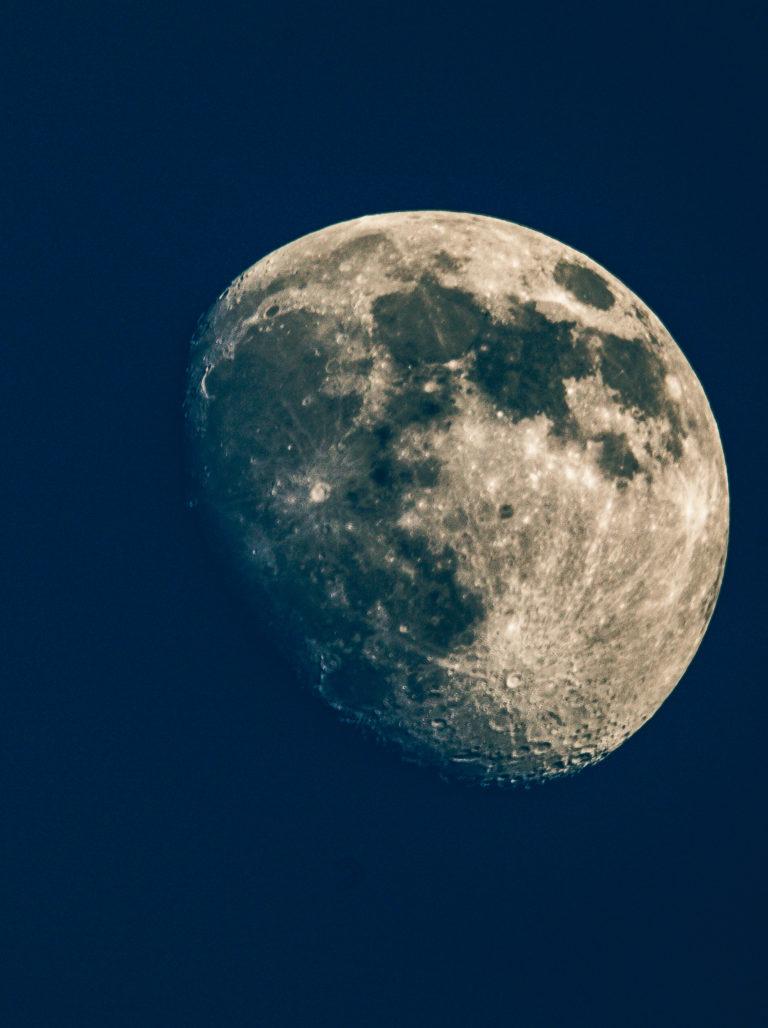 月Yuè – Luna